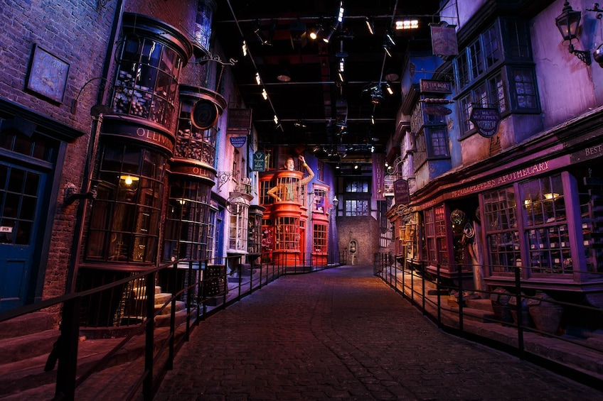 Carregar foto 5 de 21. Warner Bros. Studio Tour London – The Making of Harry Potter