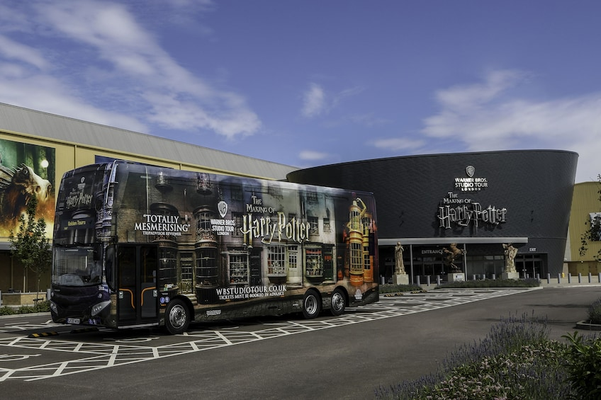 Indlæs billede 1 af 10. Warner Bros. Studio Tour London – The Making of Harry Potter
