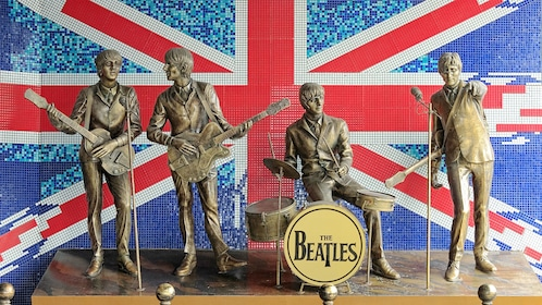 bronze statutes of Beetle rock Band in London