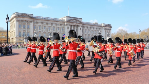 Royal marching Orchestra play in court of Buckingham Palace in Lodon