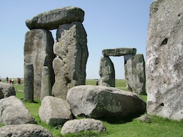 Stonehenge Private Viewing, Lacock and Bath Tour