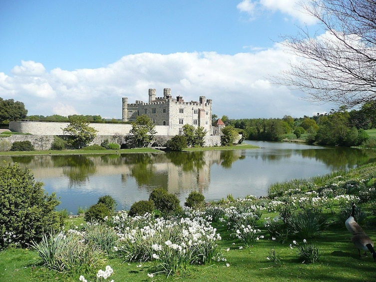 Leeds Castle, Canterbury, Greenwich & Dover with River Cruise & Lunch