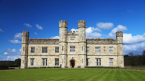 front exterior of Leeds Castle in Kent, England