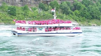 Canadian Tour of the Falls & Boat Ride from Niagara Falls NY