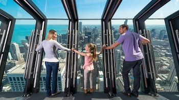 360 CHICAGO Observation Deck (Hancock Center)