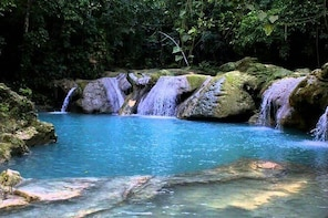 Ocho Rios River Rapids with Lunch and Blue Hole Adventure