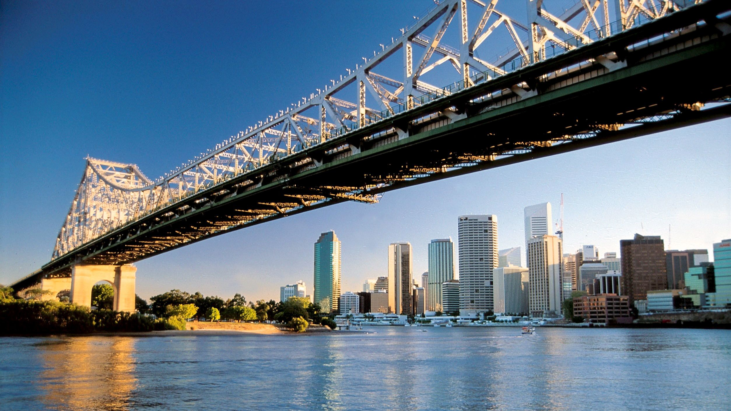Brisbane City Day Tour with River Cruise from Gold Coast