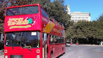 San Antonio Hop-On Hop-Off Bus Tour