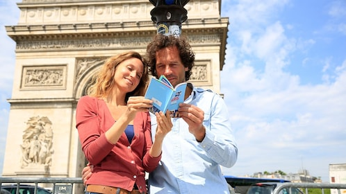 ParisPass_guidebook_arcdutriomphe.jpg