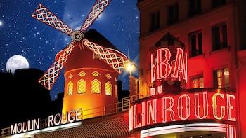 Kabaretforestilling på Moulin Rouge − Féerie