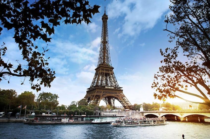 River Seine Sightseeing Cruise