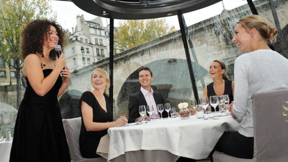 Åpne bilde 7 av 7. dinner cruise in paris