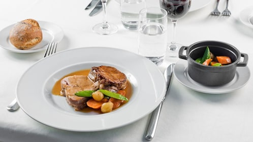 dinner cruise in paris