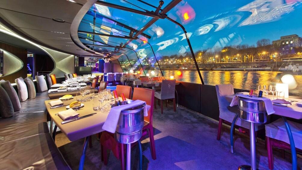 Åpne bilde 2 av 10. dinner cruise in paris