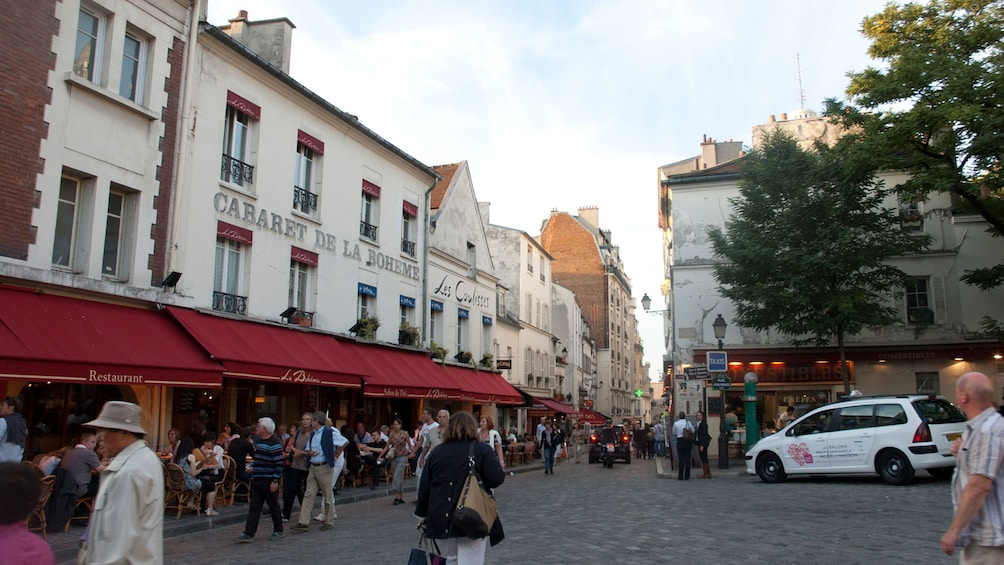 Show item 6 of 6. Busy Paris street.