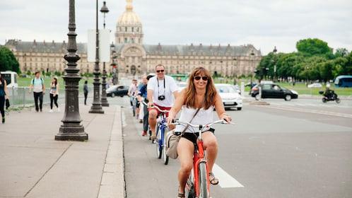Biking around Paris