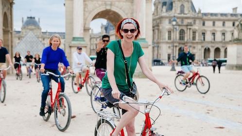 Biking around the Louvre