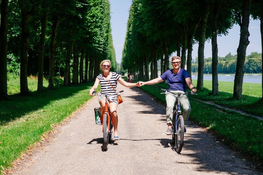 Charger l'élément 1 sur 10. Versailles Bike Tour
