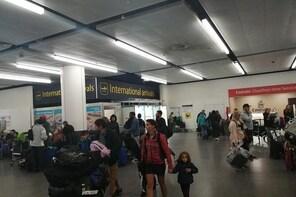 Private Transfer:Gatwick Airport to Southampton Port / Hotel via Windsor Ca...