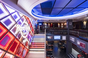 Restauration au Hard Rock Cafe Paris avec places prioritaires