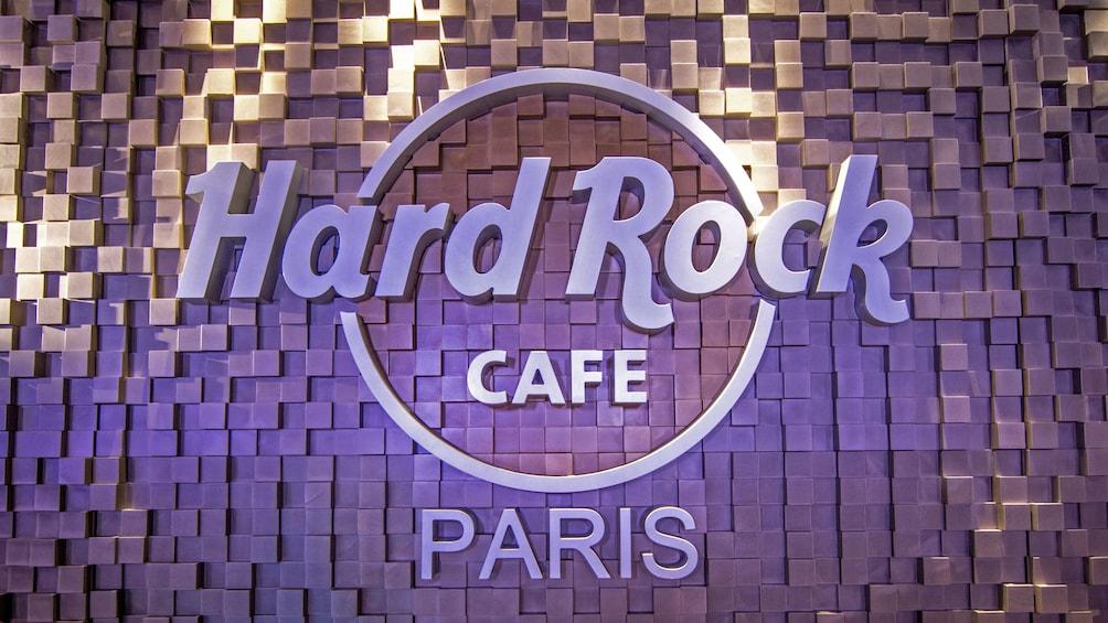 Åpne bilde 1 av 9. Hard Rock Cafe sign in Paris