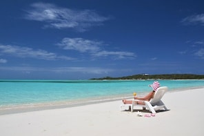 Freeport Shore Excursion: Round-Trip Beach Transfer to Taino Beach