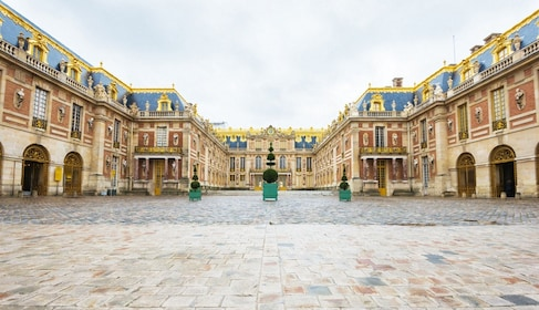 Versailles & Gardens Half-Day Guided Tour with Skip-the-Line Entry