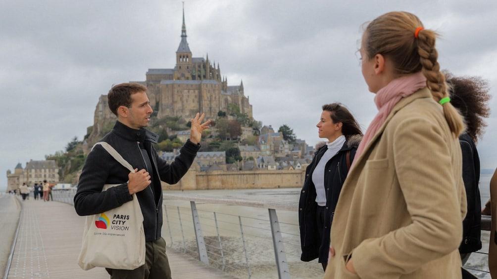 Mont St. Michel: Round-trip from Paris