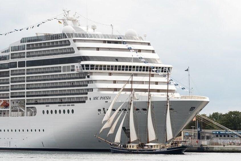 Private Transfer from Zaandam to cruise port in Amsterdam