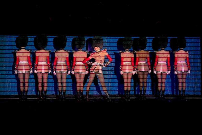 Crazy Horse Cabaret Show