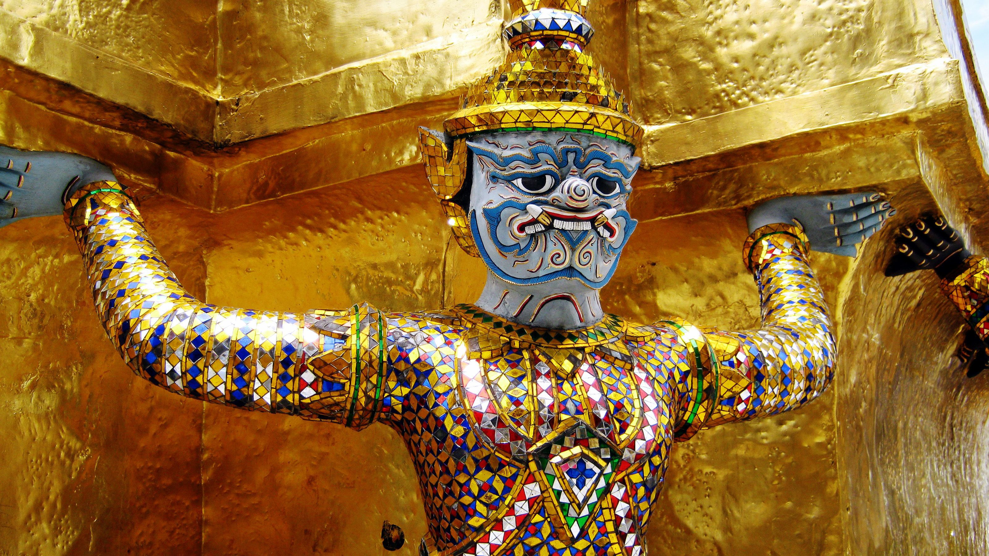 Bangkok: Small-Group Temples & Rivers of Kings Tour