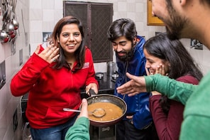 Small-Group Home-Cooked Delhi Tour