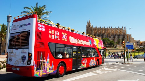 City Sightseeing tour bus visiting the Palma Cathedral