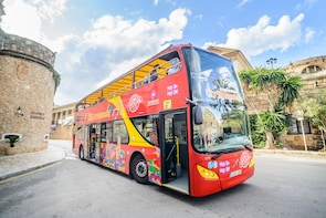 Hop-on-Hop-off-Bustour durch Palma de Mallorca