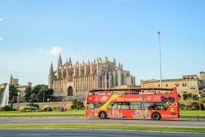 Tour in autobus hop-on hop-off a Palma di Maiorca