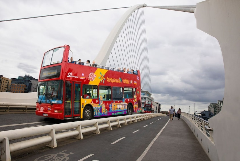 Cargar foto 8 de 8. Dublin Hop-On Hop-Off Bus Tour