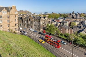 Edinburghin kiertoajelu hop-on hop-off -bussilla