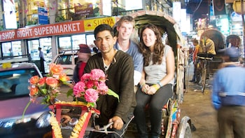 Kathmandu: Small-Group Rickshaw Night Explorer Tour