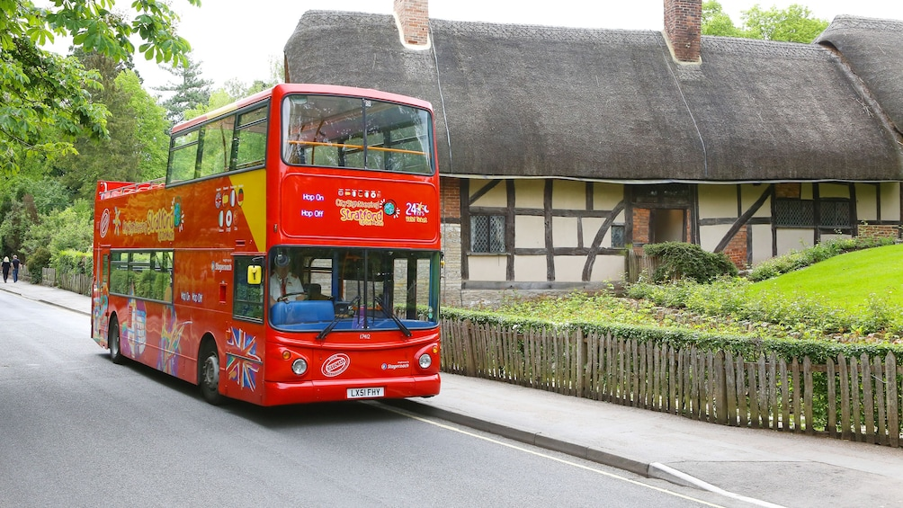 A hop on hop off us in Stratford upon avon