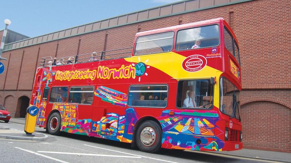 Foto 4 von 5 laden Tour bus in Norwich