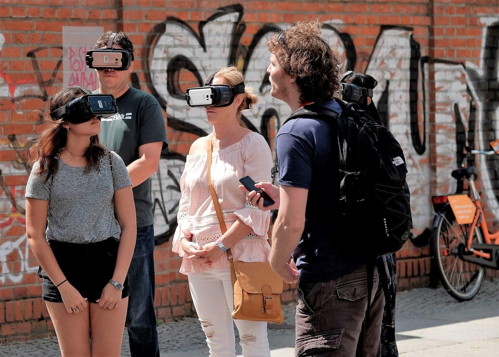 Small-Group Hidden Berlin Tour