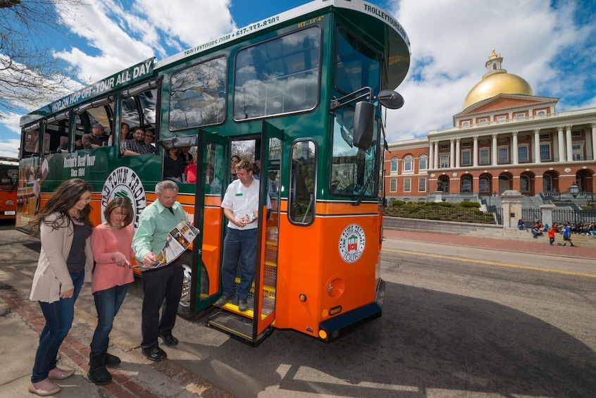 Cargar ítem 3 de 10. Boston Hop-On Hop-Off Trolley Tour