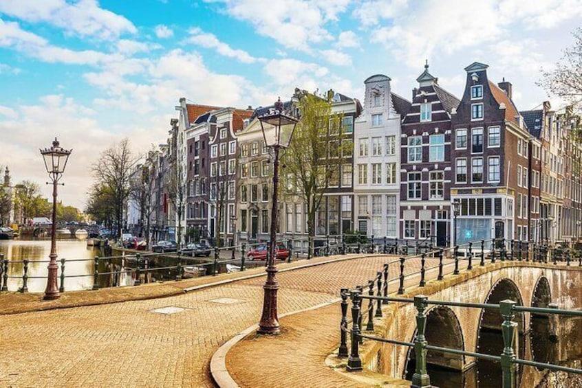 Show item 3 of 9. Amsterdam