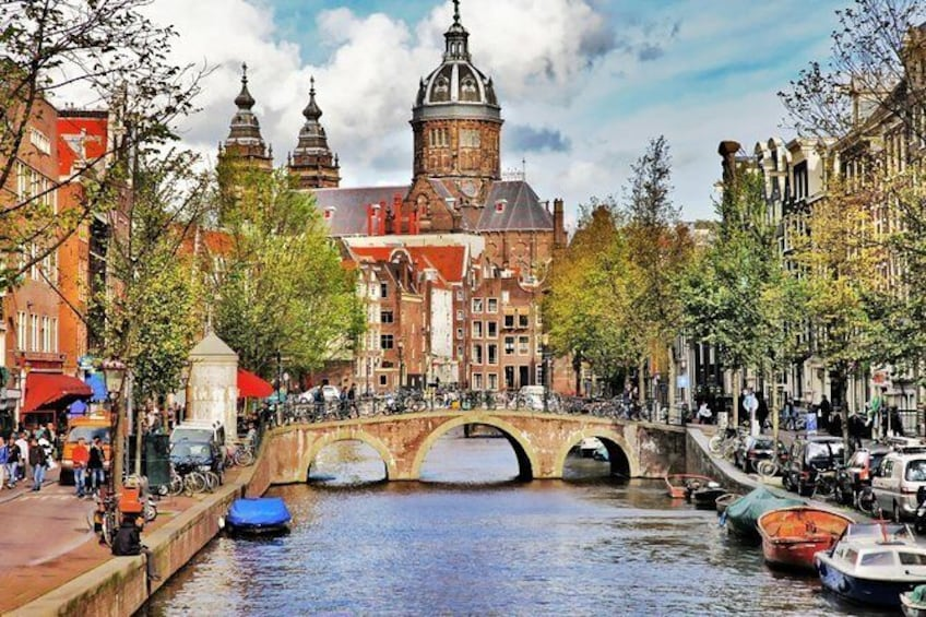 Show item 4 of 9. Amsterdam