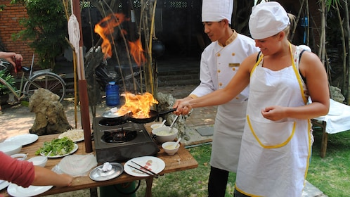 cooking lessons with a chef in Vietnam