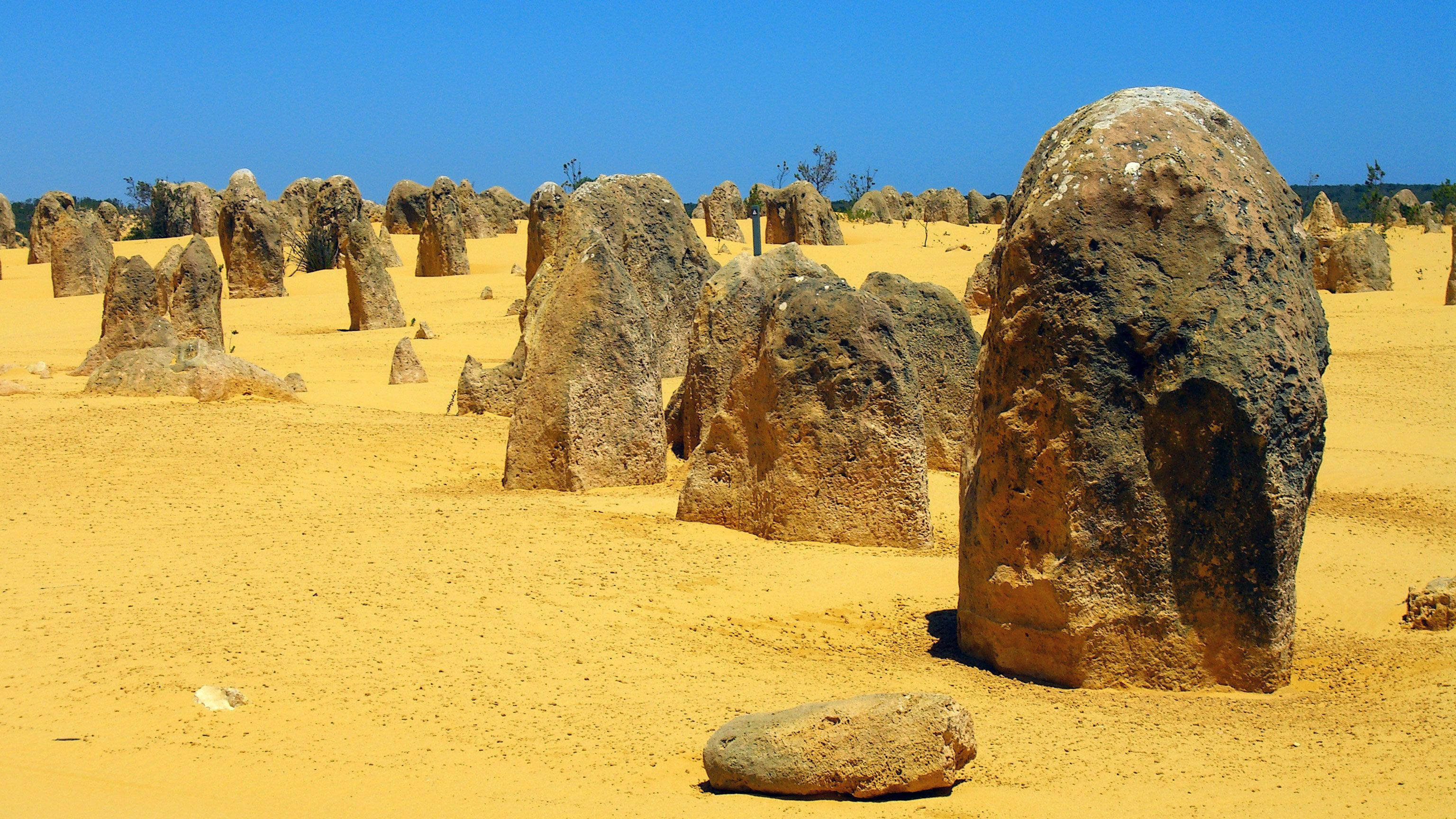 Rock formations in the Pinnacles desert