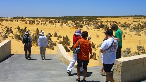 People at the entrance to the Pinnacles desert