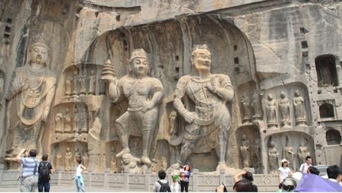 giant stone statues in xian