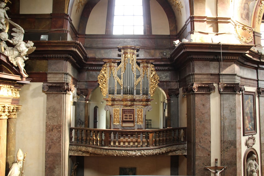 Foto 5 van 8. Famous Organ Concert at St. Francis of Assisi Church