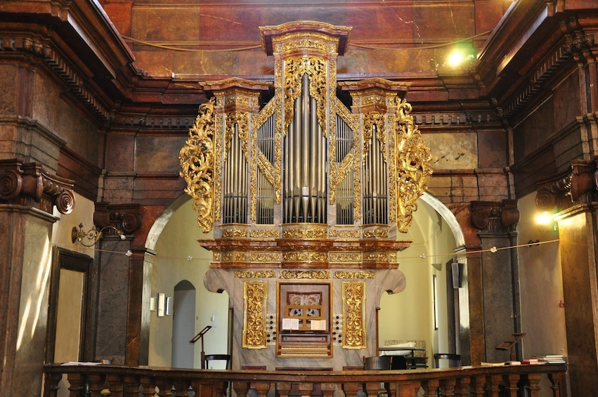 Foto 2 van 8. Famous Organ Concert at St. Francis of Assisi Church